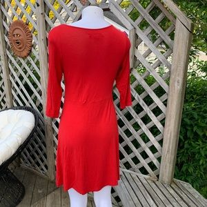 Dresses - 3/4 sleeve vibrant red casual dress